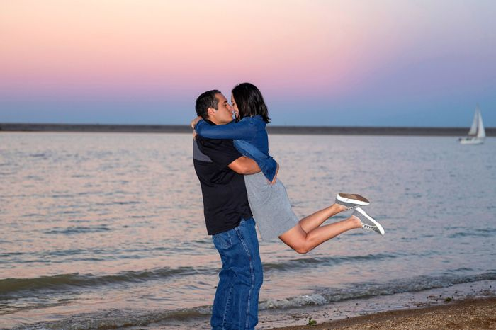 Favorite engagement pictures! 8