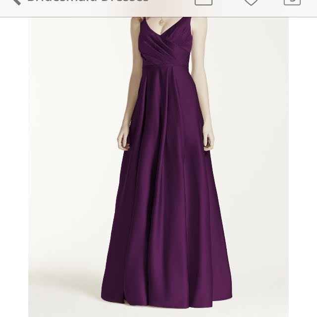 MOH dress detail
