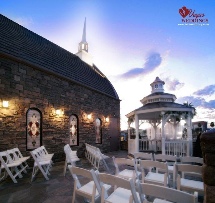Let's see where you're getting married! Show off your wedding venue!! 1