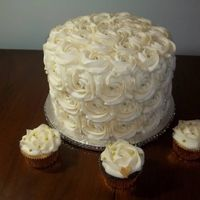 How will your wedding cake look like???? Do you have pictures????