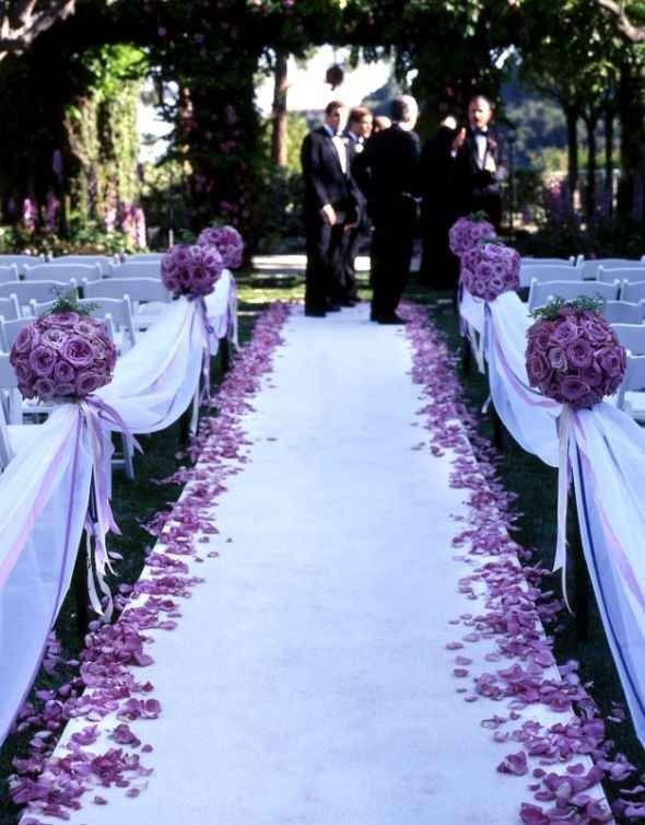 How to protect my flower petal aisle?