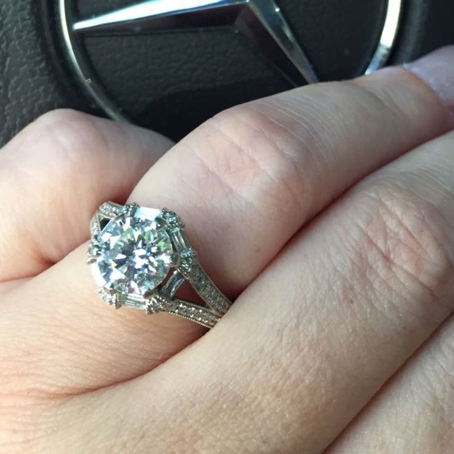 Happy Tuesday ladies! Where did your fiance propose and how? 2