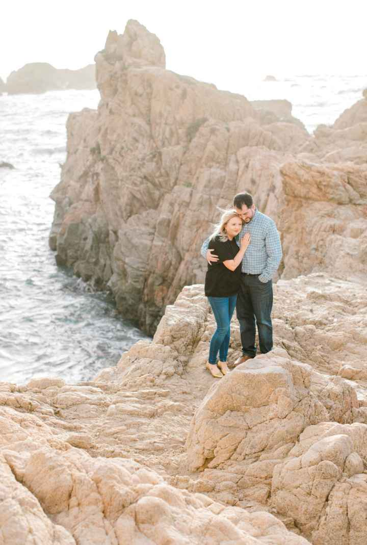 Dress vs Jeans during engagement pictures - 1