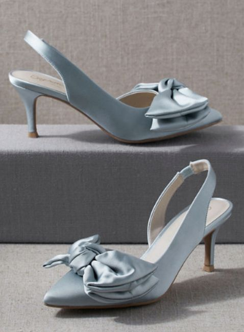 Has anyone done blue shoes with your wedding dress? 4