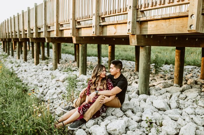 Show off your favorite engagement pictures 37