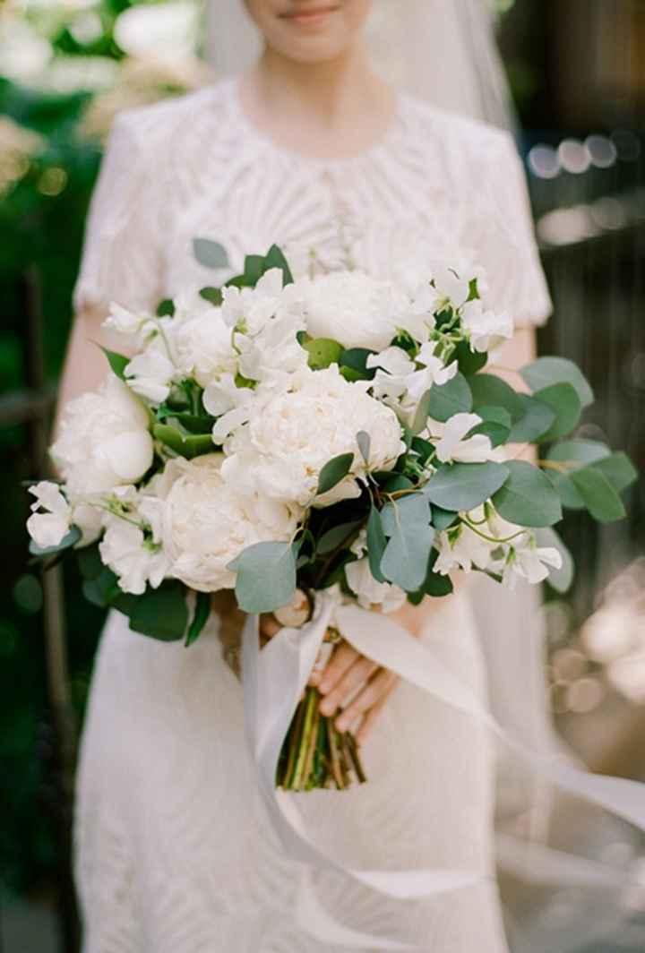 White & Green Flower Style