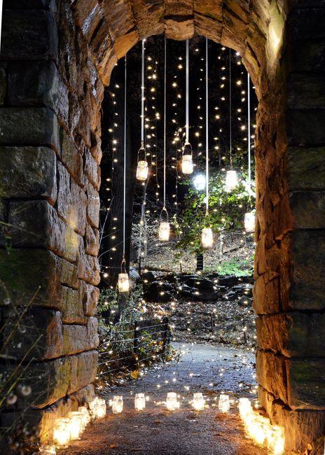 Vertical Strand & Mason Jar Lighting
