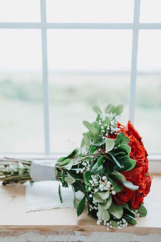My bouquet w/ribbon