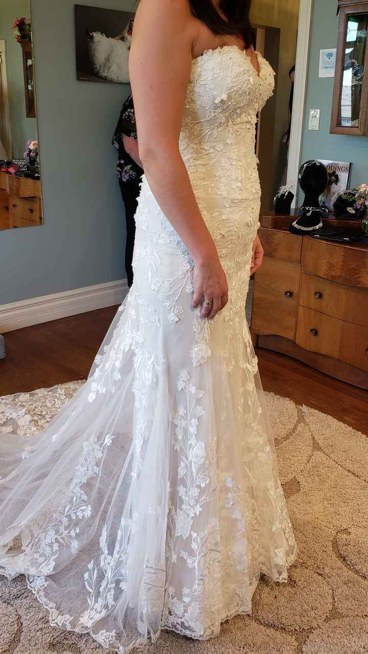 i found my dress!!!! i would love to see pictures of everyone else's!!! 10