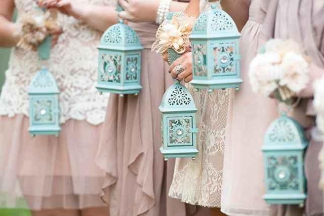 Alternative to bridesmaids bouquets - 1