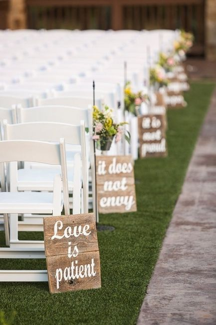 AFFORDABLE ceremony site deco..