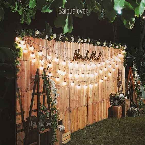 diy wooden backdrop outdoor rustic wedding decor