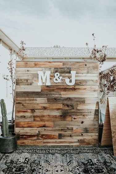 diy wooden backdrop outdoor bar rustic wedding decor