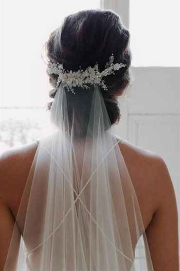 hair piece with veil