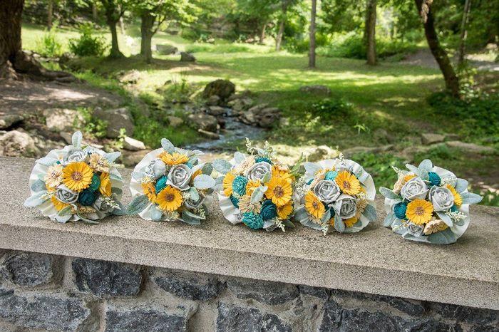 Sola flower bouquet - diy greenery Question 2