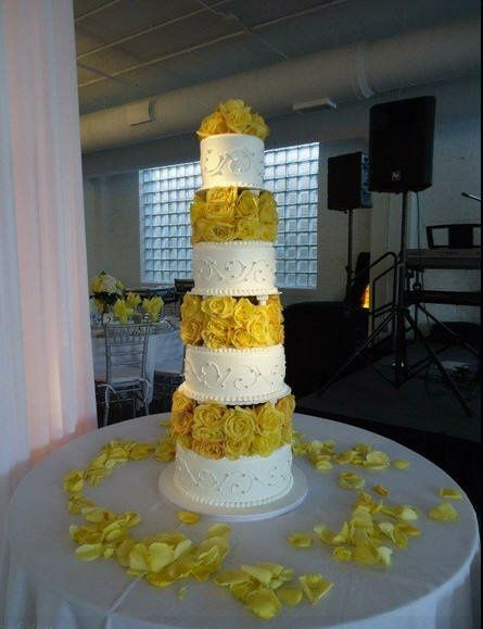 publix wedding cake simply devoted let s talk cake weddings etiquette and advice 18827