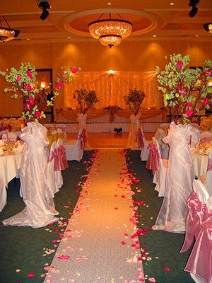 Ceremonyreception In The Same Room Weddings Style And Dcor