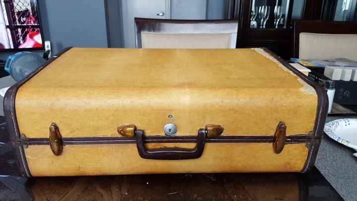 Vintage Luggage Card Box diy - 1