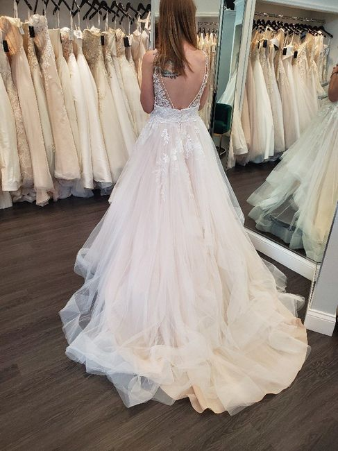 Who are my Stella York brides out there?! 2