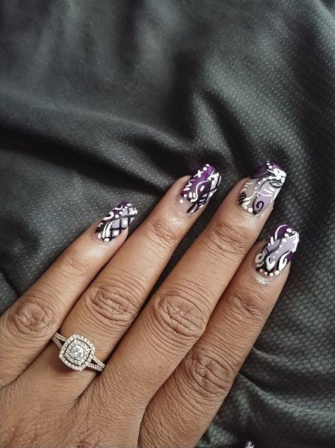 What shape nails? 2