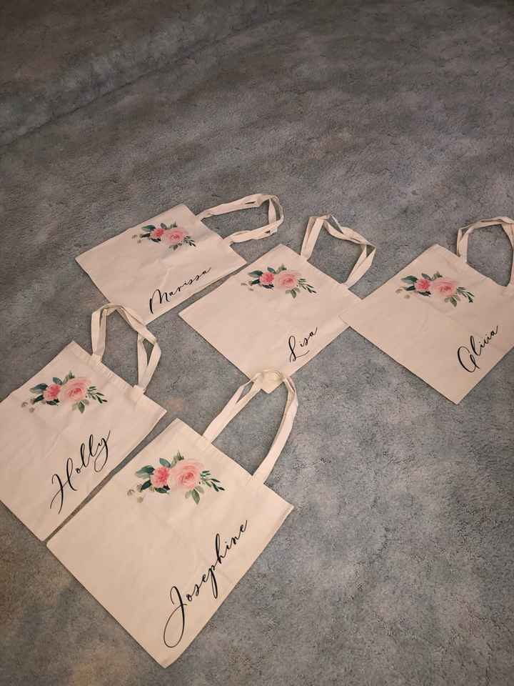 Wedding party gifts - 1