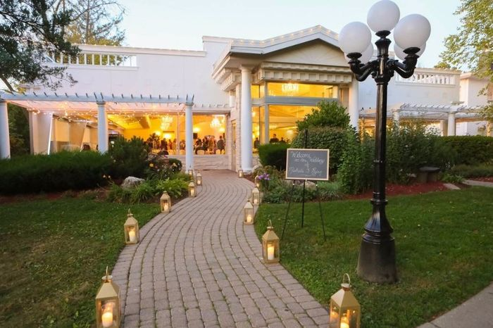 Where are you getting married? Post a picture of your venue! 17