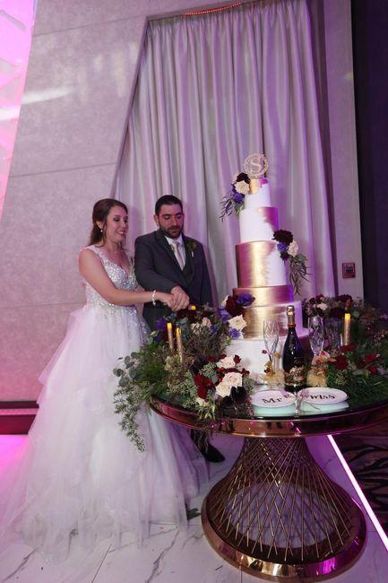 Cake Wars: Mini or Mega? 3
