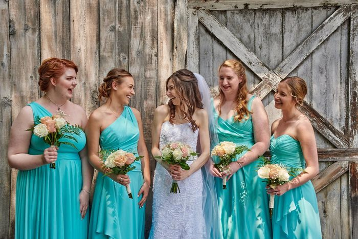 Can my bridesmaids wear different dresses? 1