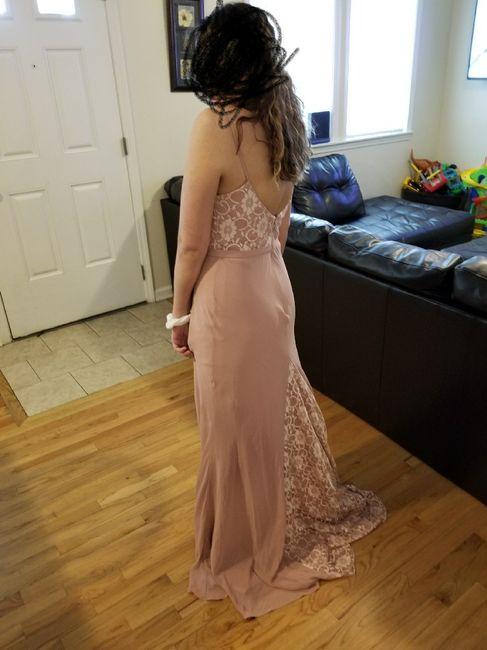 Keep or Cancel: Matching Bridesmaids Dresses? 6