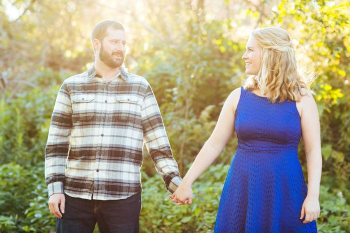 2 outfits for engagement photos? 1