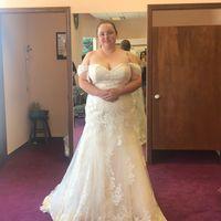i found my dress! But I'm stuck on bouquets.... - 2