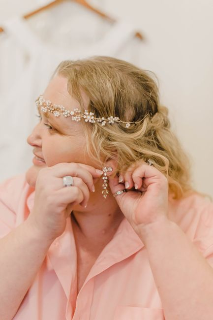 Are you a diamond or pearl jewelry bride? 8