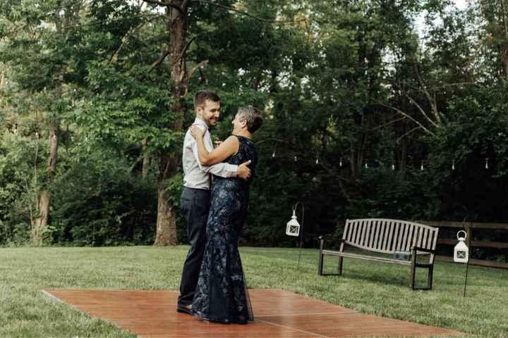How to coordinate a backyard wedding? - 1