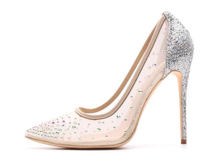 Curious what everyone's wedding shoes look like? 8