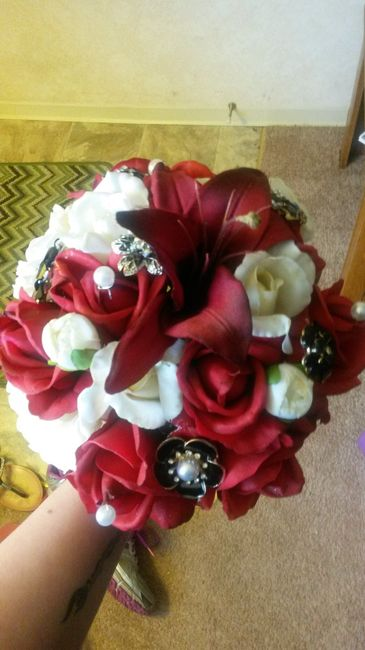 Hobby lobby flowers weddings do it yourself wedding forums i definitely think the bouquet looks more real than most people would expect with fake flowers izmirmasajfo