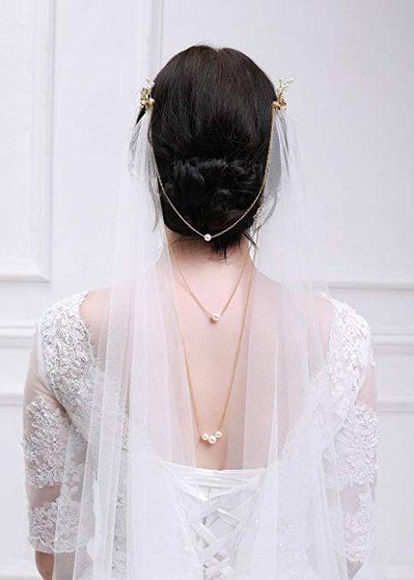 Dress accessorizing help 8