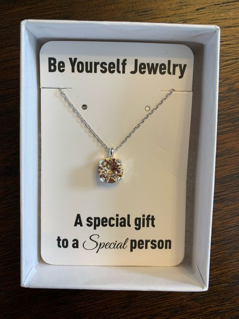 Share your bridal necklace & earrings 3