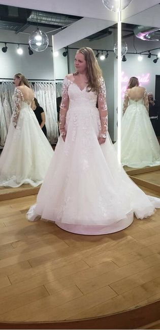 i found my dress!!!! i would love to see pictures of everyone else's!!! 7