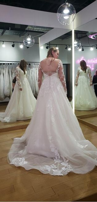 i found my dress!!!! i would love to see pictures of everyone else's!!! 8