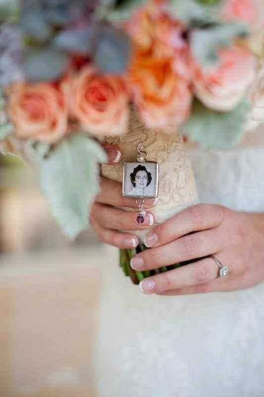 Bouquet Charm (Two Buds and a Blossom)