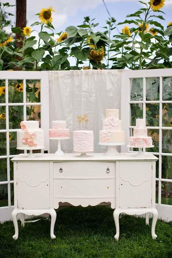 Vintage Furniture as a Cake/Dessert Display Table