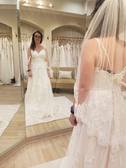 Short bride!! Helpppp! - 1