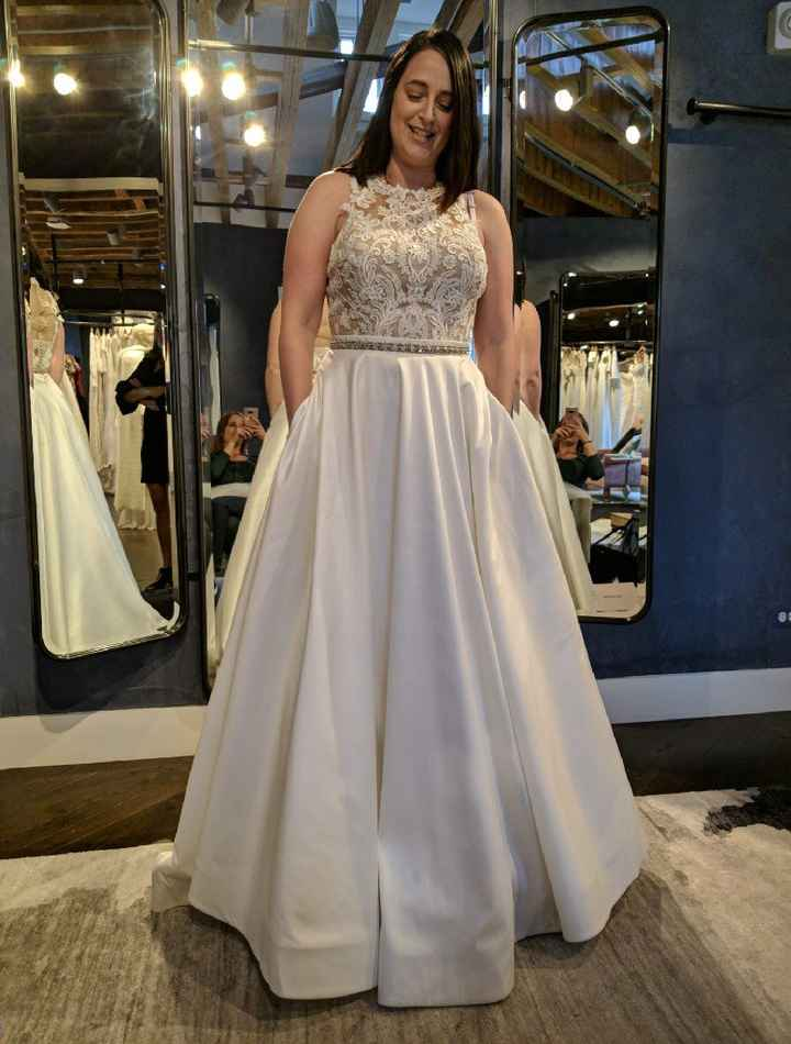 Show me your venue and dress! - 4