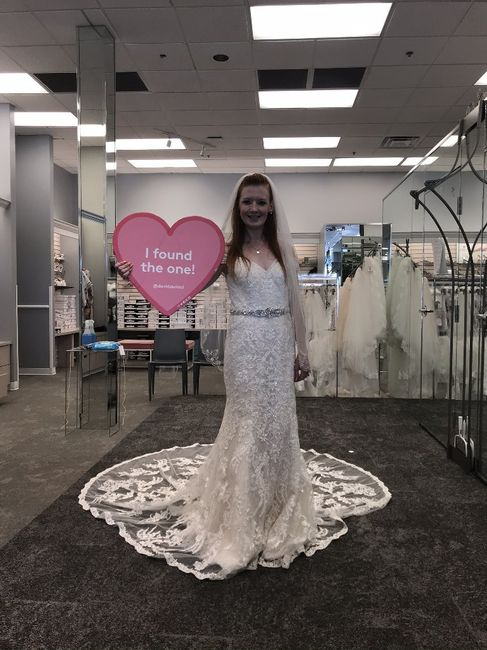 i found my dress!!!! i would love to see pictures of everyone else's!!! 1