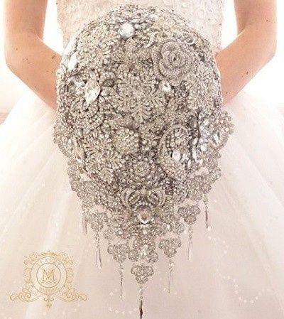 Which Winter Wedding Bouquet? 3