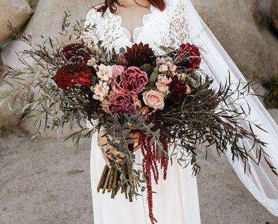 Which Winter Wedding Bouquet? 5