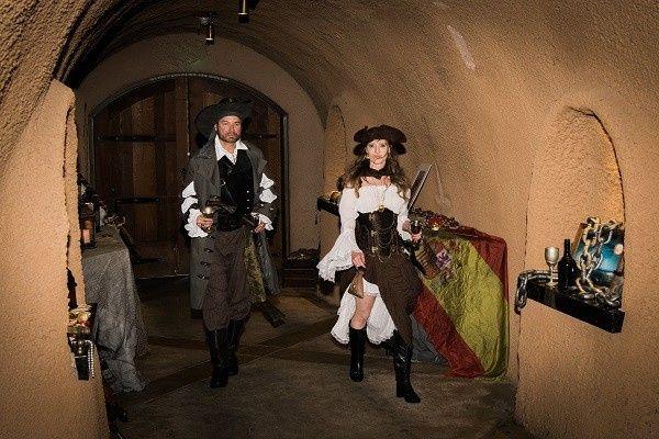 bam (anniversary) – Disney Pirate Wedding 11