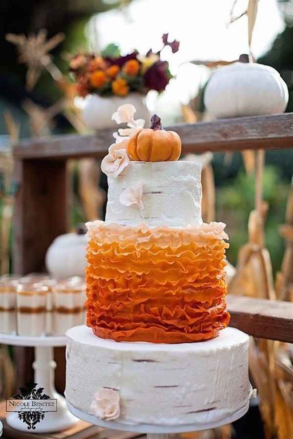 Wedding Cakes Without Flowers 18