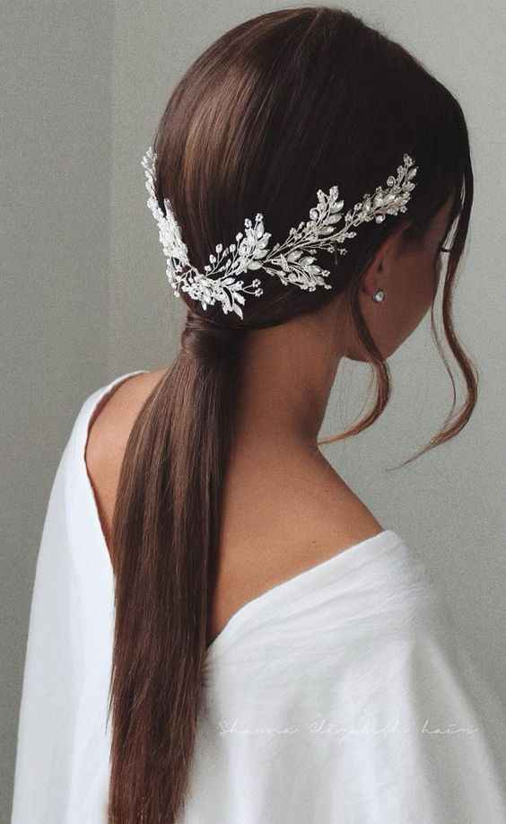 Simple bridal ponytail options for hair that won't hold a curl, please! - 1