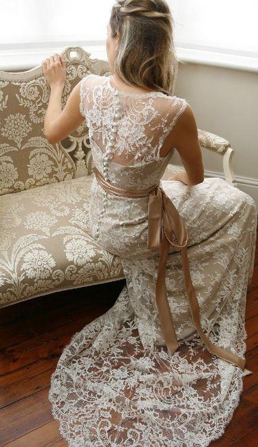 Help identifying a wedding dress 1